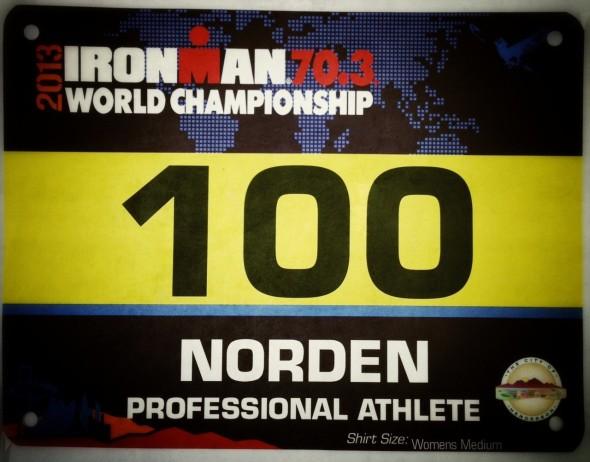 Lisa Norden med startnummer 100 i Las Vegas 70,3 World Championships