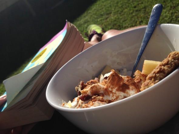 Frukost i trädgården