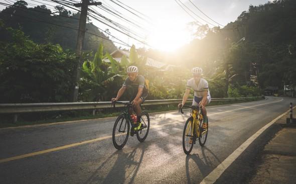 Lisa och Calle cykel Thanyapura